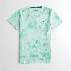 Guys Hollister Must Have V Neck Tshirt